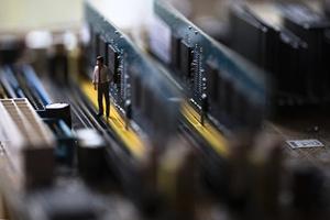 晉華遭美制裁 生產運作停止 官網消失