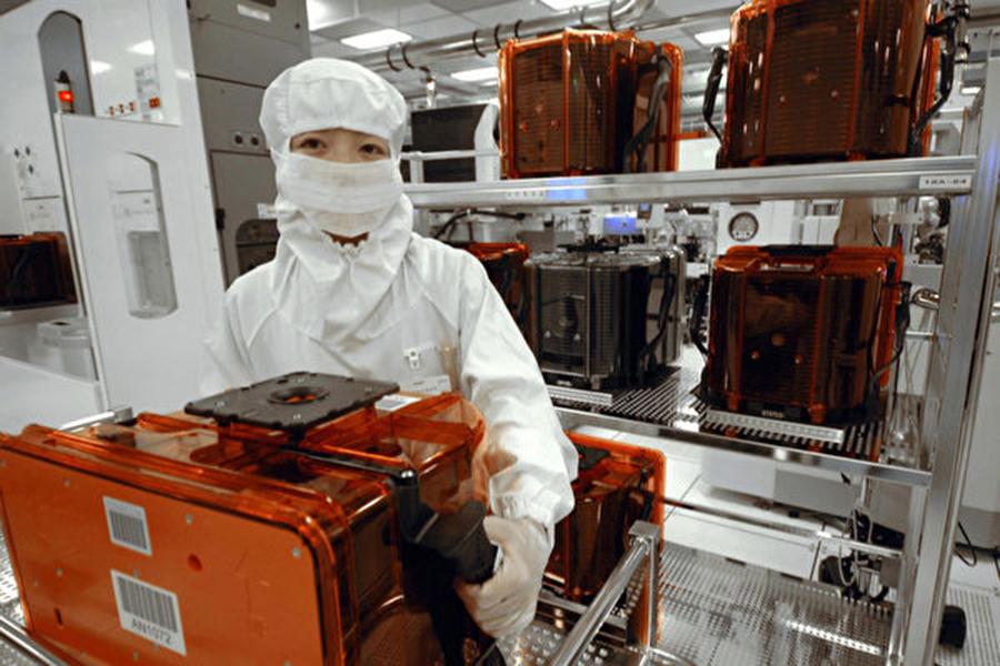 中共為達2025年自製半導體晶片40%的目標,把台灣與美國列為竊取技術的主要目標。圖為示意圖。 (Getty Images)