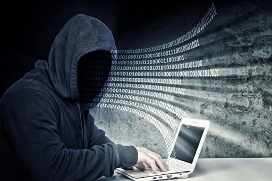 美中兩國在2015年達成協議,中共承諾不再進行盜竊商業機密的網絡攻擊行動。但新數據表明,中共不但沒停止,反而正在加強他們的黑客攻擊,而且攻擊手法更加複雜,更具破壞力。(Getty Images)