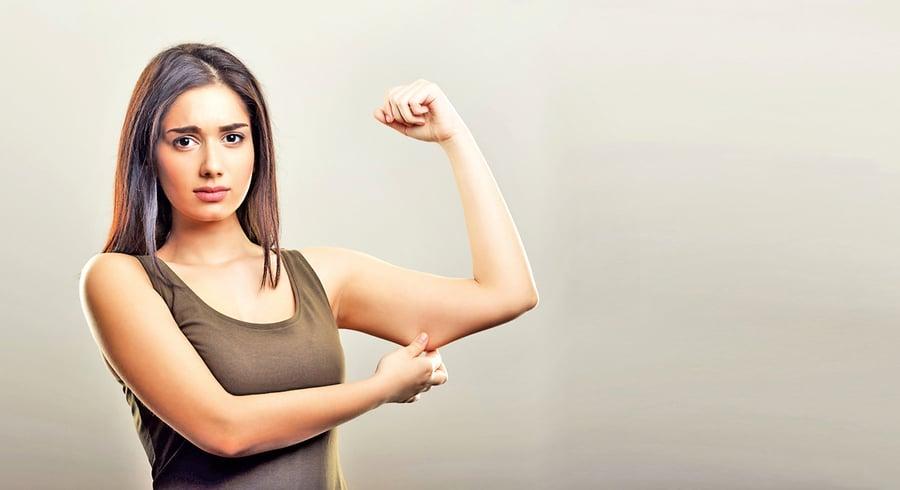 舒展肩胛骨不僅緩解僵硬 還讓臉顯小