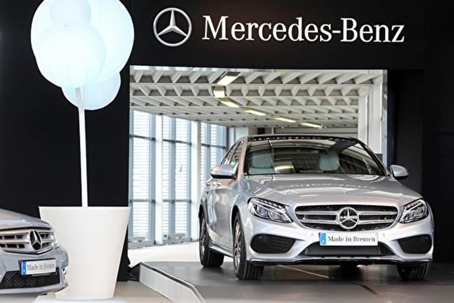 德媒近日報道,近年來,德國企業尤其支柱產業汽車業,成為中共經濟間諜入侵的主要目標。圖為平治的新款汽車。(INGO WAGNER/AFP/Getty Images)