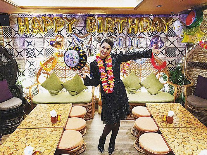 胡杏兒開派對慶祝39歲生日。(胡杏兒臉書圖片)