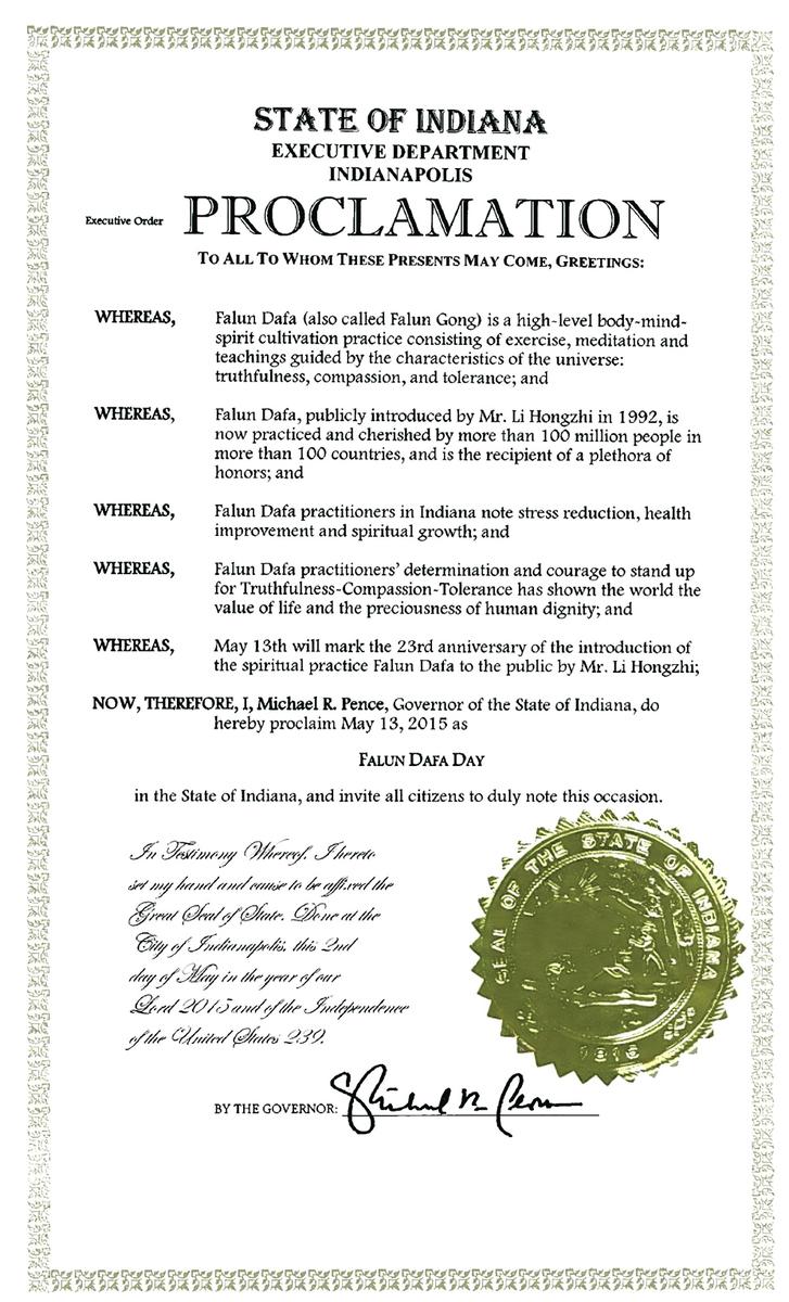彭斯宣布2015年5月13日為印第安納州法輪大法日,頌揚法輪大法。 (明慧網)