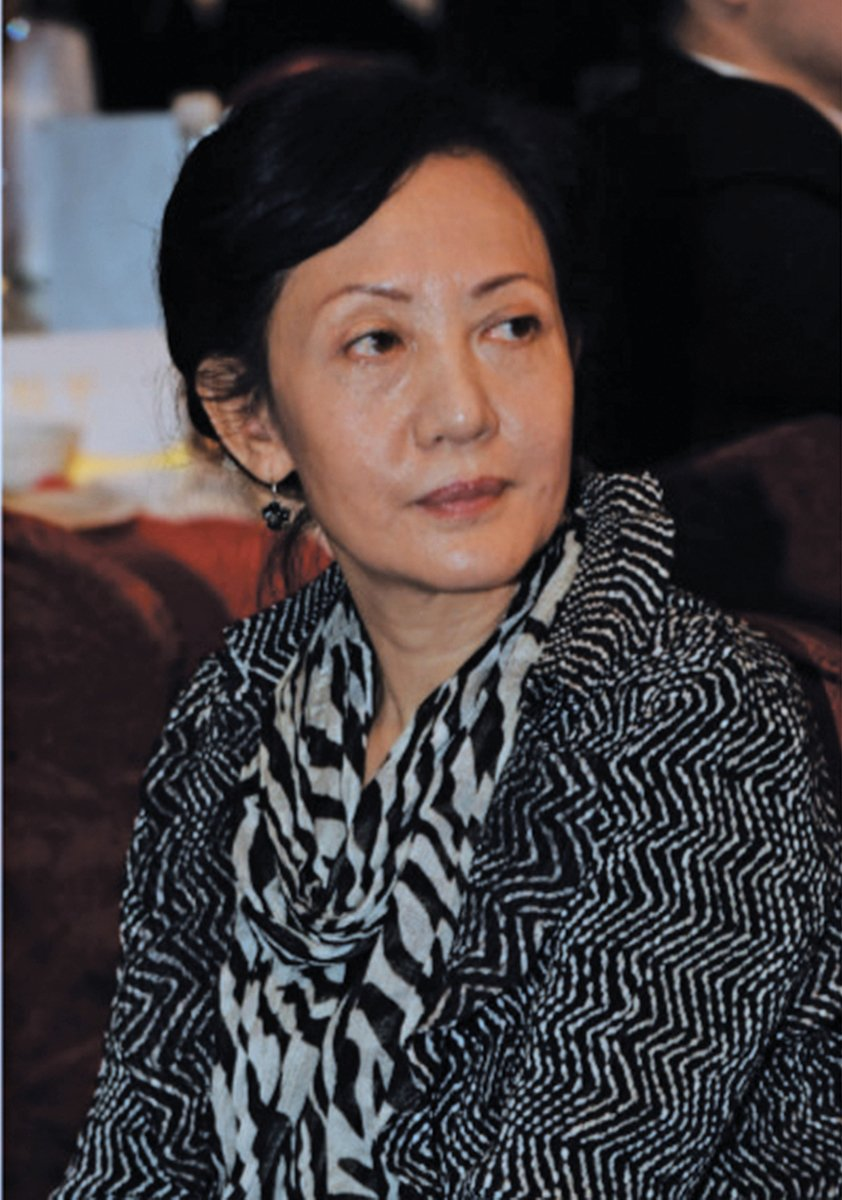 中共喉舌《人民日報》旗下的《新聞戰線》雜誌總編輯胡欣,11 月6 日從報社36 號樓19 樓跳樓身亡, 終年66歲。( 大紀元資料室)