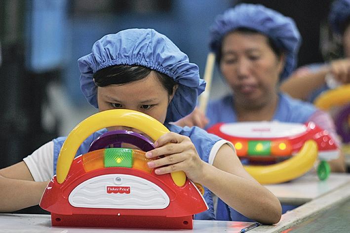 中國世界工廠的地位可能被加速取代。(Getty Images)