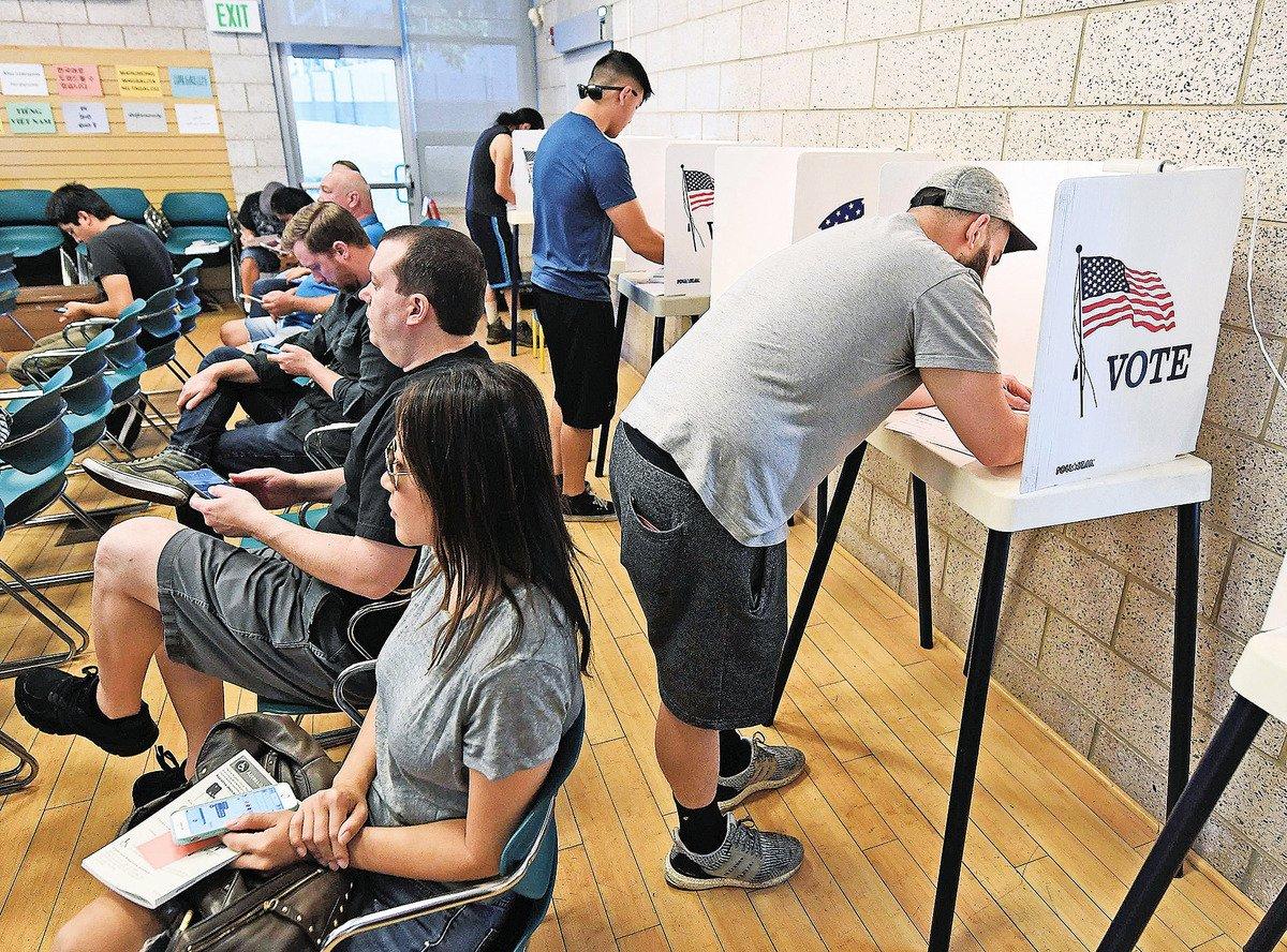 中共被指試圖通過媒體干預美國中期選舉。(MARK RALSTON/AFP/Getty Images)