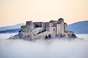 入住夢幻城堡編織貴族夢
