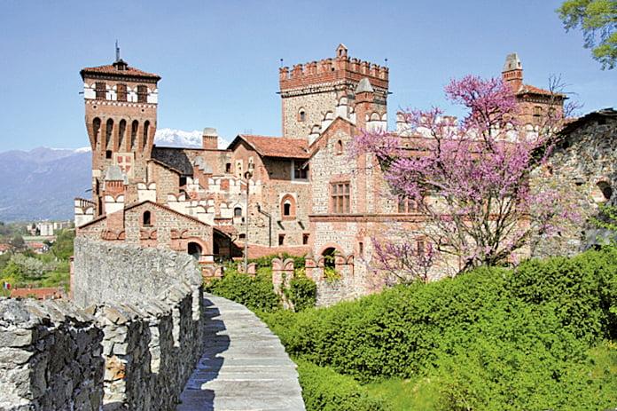 意大利「帕沃內城堡酒店」內熱帶花園環繞,客房內古色古香的傳統裝飾,有一股文藝復興氣息。