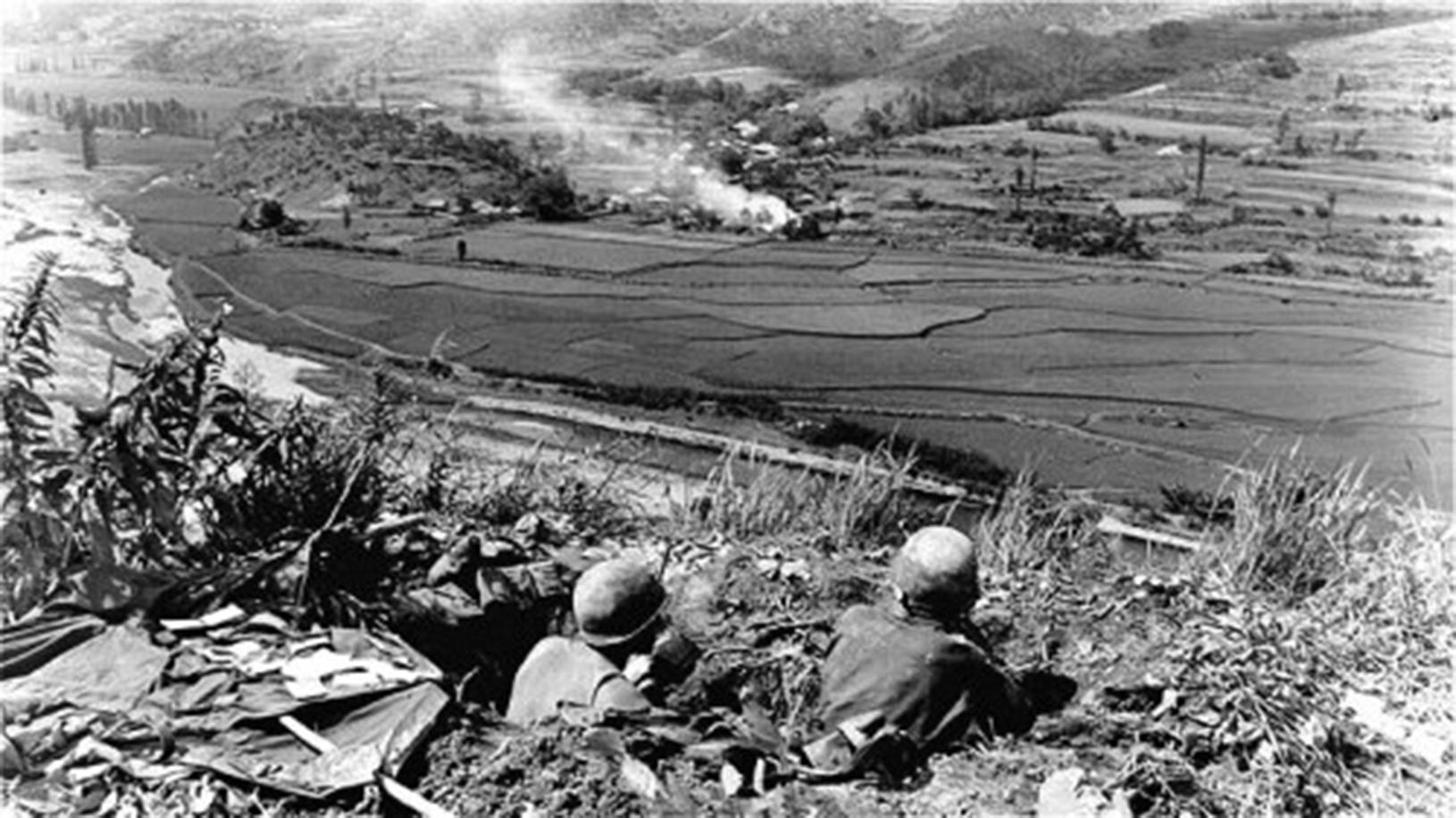 韓戰造成朝鮮軍民死亡300萬人,韓國軍和中國軍隊死亡200多萬,幾十萬兒童成為孤兒,數百萬人無家可歸,數百萬人終身殘廢。(公有領域)