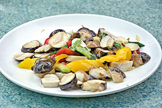 清炒鮮香菇。