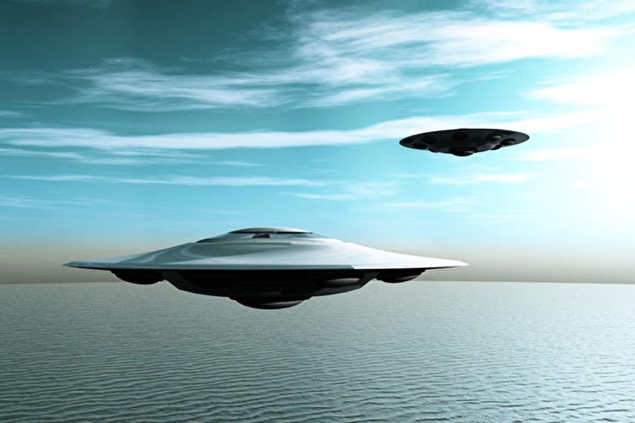 UFO現蹤?多名飛行員目擊明亮物體飛速掠過
