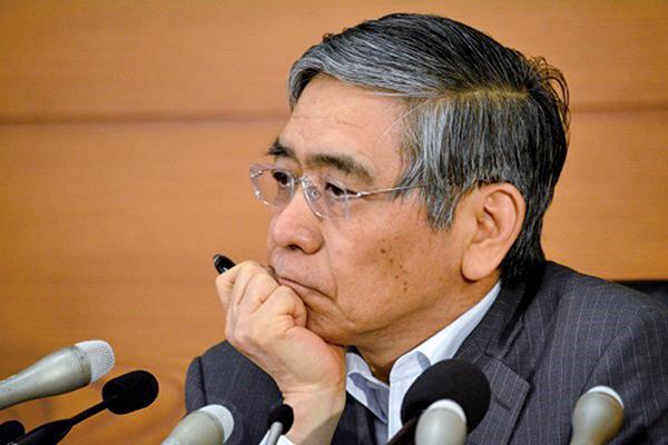 日本央行公佈持有的資產達553.6兆日圓,超過日本一年的GDP總值。圖為日銀總裁黑田東彥。(Getty Images)