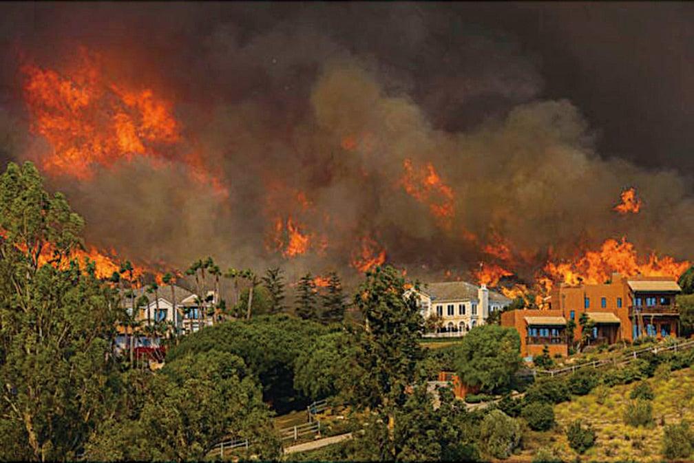 11月9日的加州「伍爾西大火」(Woolsey Fire),殃及在馬里布置業的荷里活明星。(David McNew/Getty Images)