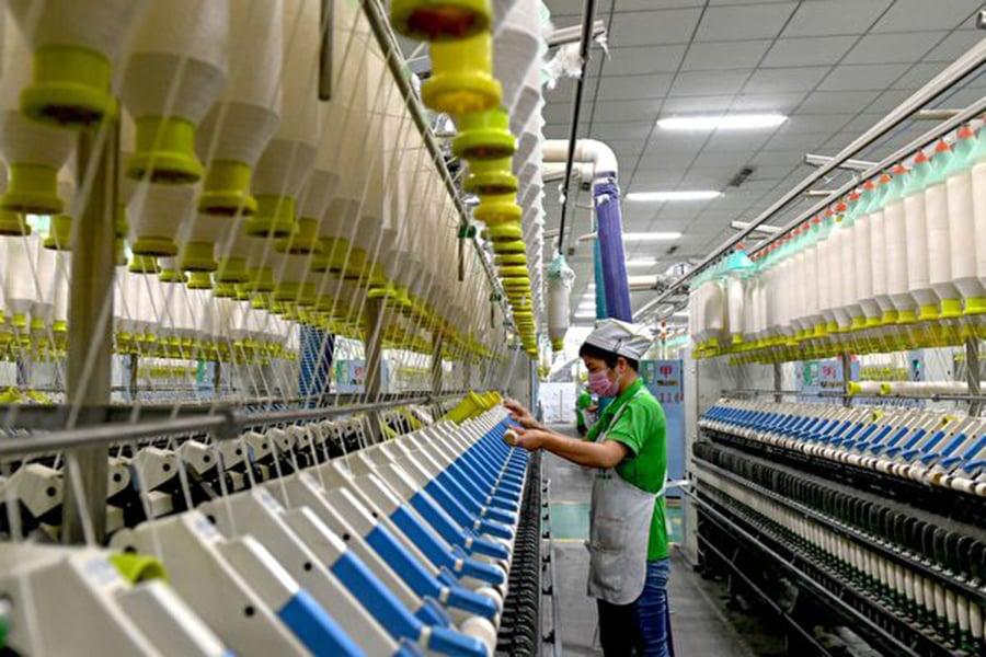 週四(11月15日),美國特朗普政府一位高級官員透露,中共針對美國貿易改革要求提出的書面回應,無助於緩解美中貿易衝突。(STR/AFP/Getty Images)