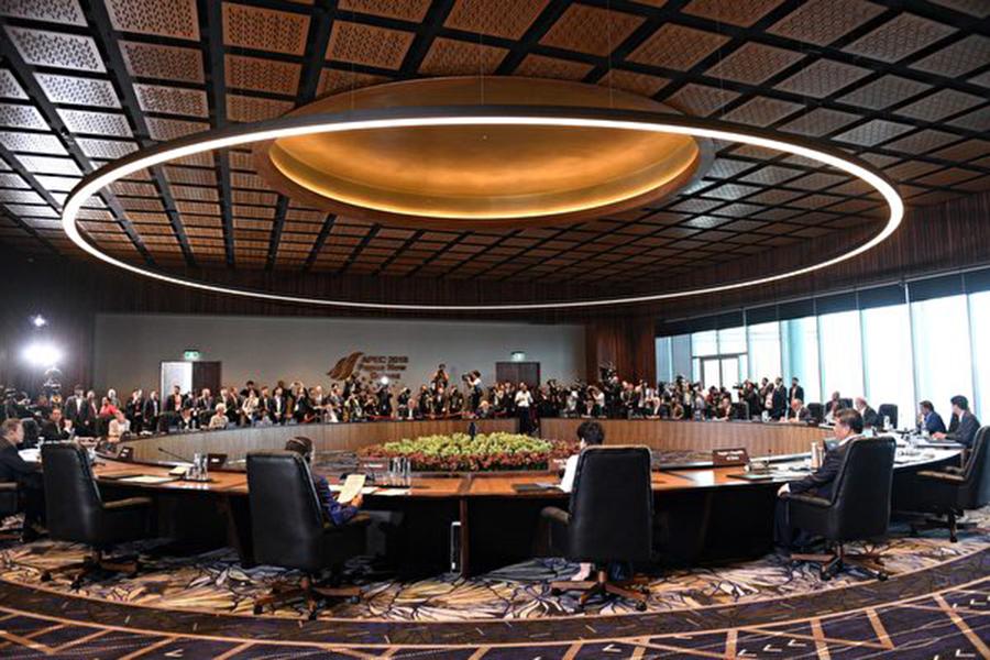 週日(11月18日),各國領導人在巴布亞新幾內亞參加亞太經合組織(APEC)峰會。(SAEED KHAN/AFP/Getty Images)