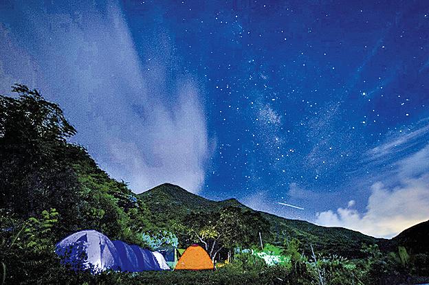 聖誕可到二澳露營及觀測雙子座流星雨。(二澳農作社FB)