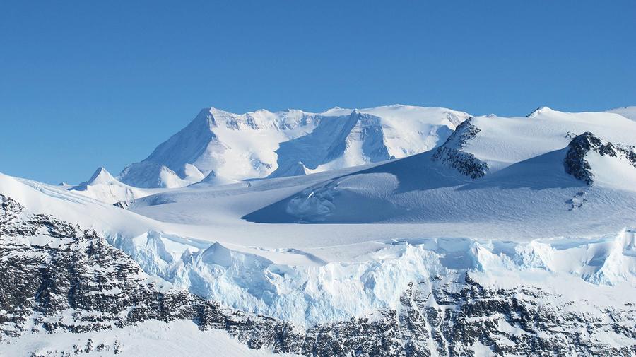 新發現:南極冰層下藏古大陸遺跡