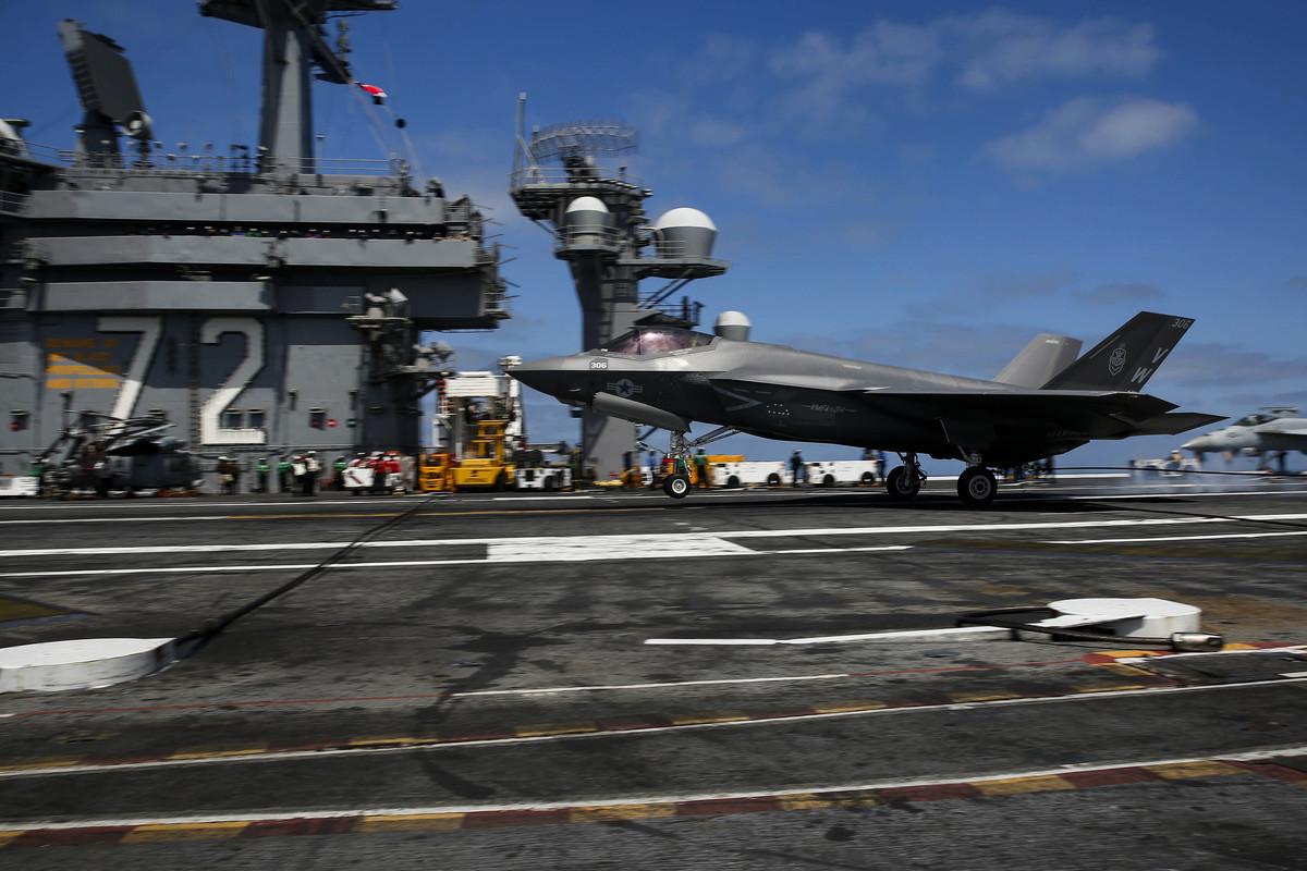 2021年4月16日,美軍的F-35C隱形戰機在林肯號航母(CVN 72)上降落,成為第二艘成功起降F-35C戰機的美軍航母。F-35C登上美軍航母后,將大幅提升航母海戰能力。(美國海軍)