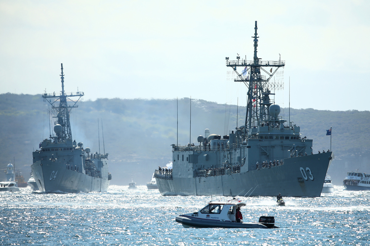 圖為澳洲海軍軍艦「悉尼號」和「達爾文號」。(Cameron Spencer/Getty Images)