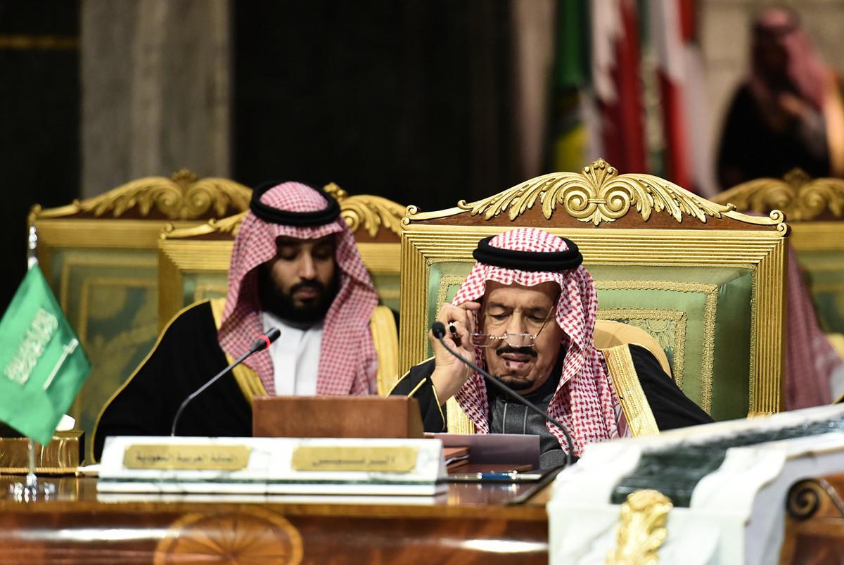 2019年12月10日,沙特國王薩勒曼(King Salman)(右)和王儲穆罕默德·本·薩勒曼(Mohammad bin Salman)。(Fayez Nureldine/AFP)