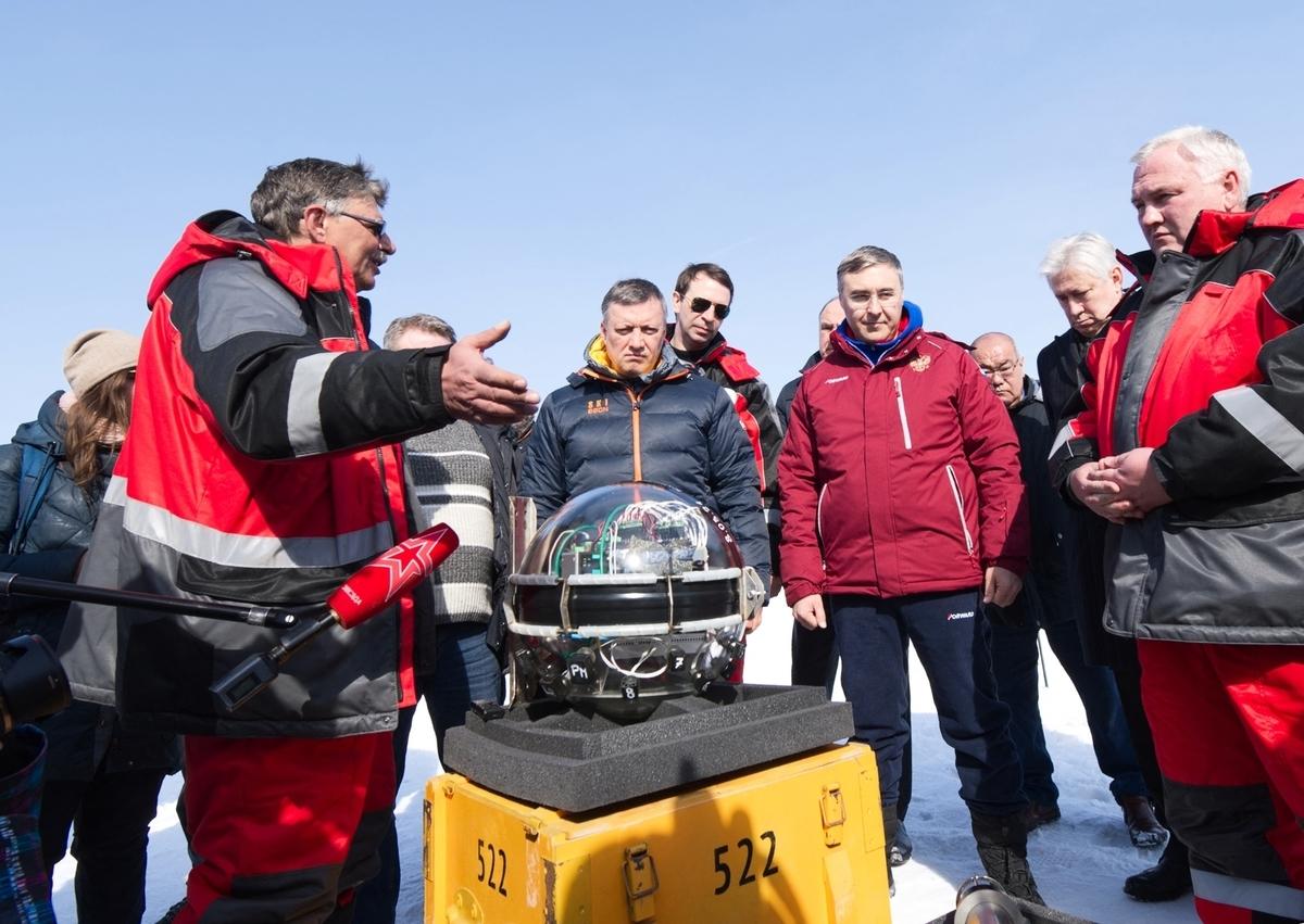 2021年3月13日,俄羅斯科學家在貝加爾湖(Lake Baikal)中正式啟用了北半球最大的水下太空望遠鏡,目的是要觀測目前已知最小的粒子——中微子。(Bair Shaibonov/Russian Institute for Nuclear Research/AFP)