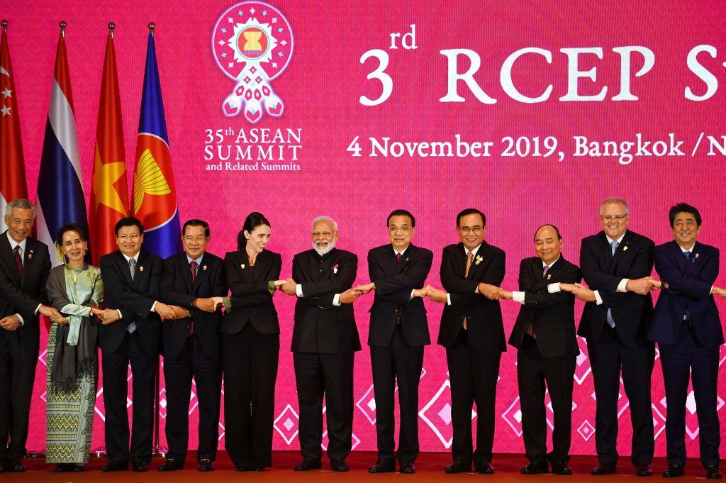 莫迪政府表示,不會加入中共極力推動的「區域全面經濟夥伴關係協定(RCEP)」。圖為2019年11月RCEP會談。(Manan VATSYAYANA/AFP)