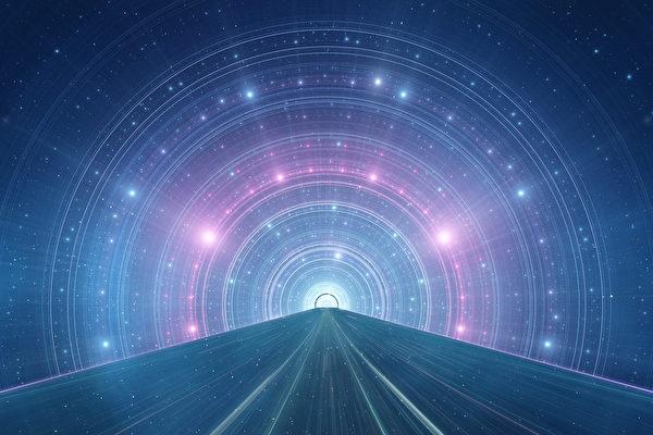 達文西是穿越者? 愛因斯坦:他可以讓科技提前五十年
