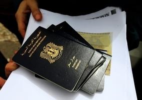 美截獲6千張來自中國的高仿真假駕照