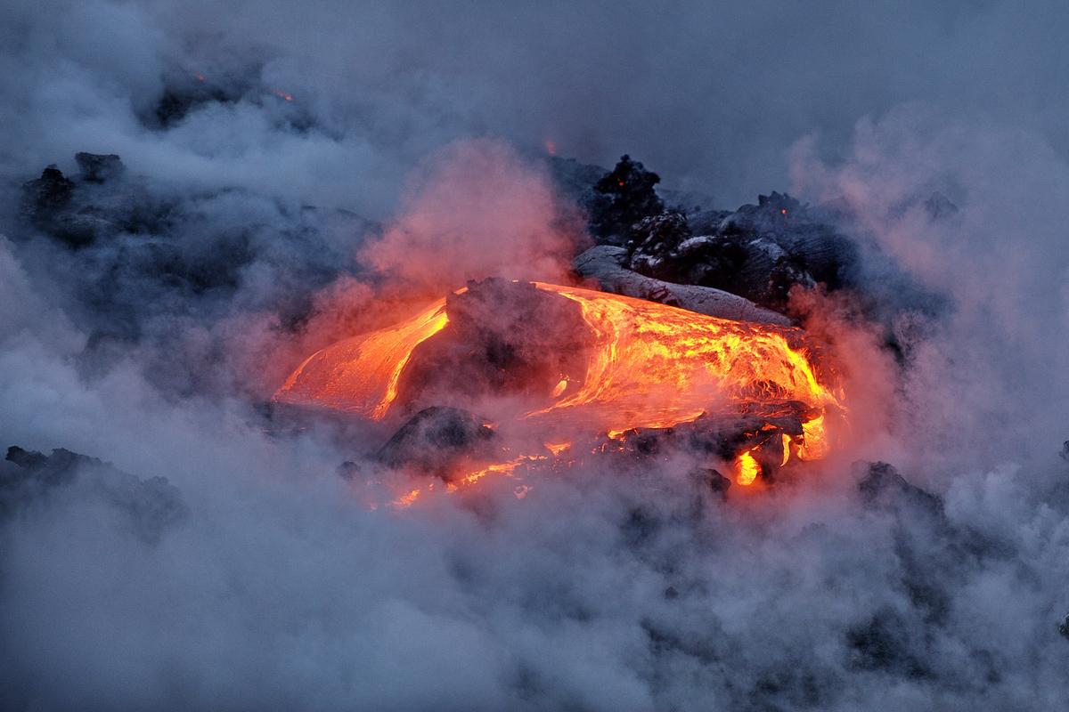 火山噴發示意圖。(ShutterStock)