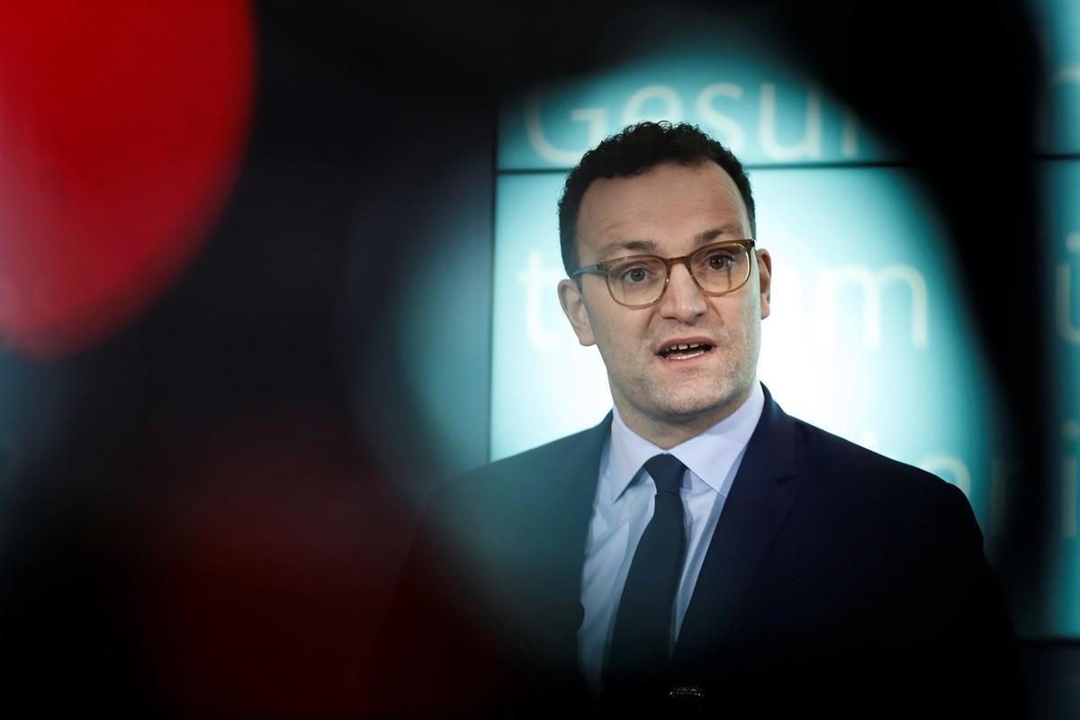 1月28日(周二)德國衛生部長斯潘(Jens Spahn)向媒體介紹中共肺炎(俗稱武漢肺炎、新冠肺炎)在德國的最新疫情(ODD ANDERSEN/AFP via Getty Images)