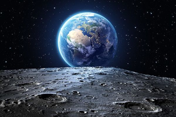 月球是離地球最近的天體,它隱藏著甚麼秘密呢?為何永遠以同一面向著地球?(Shutterstock)