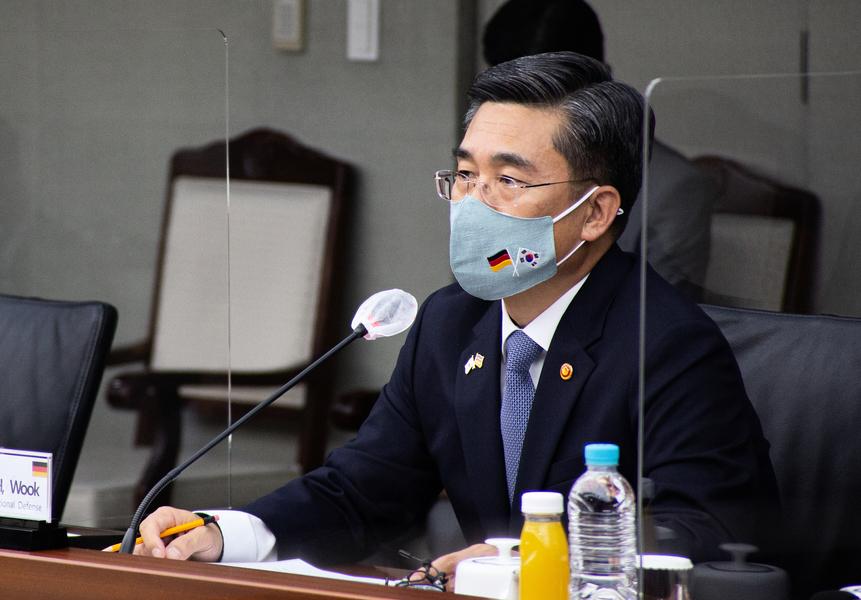 韓艦官兵均未打疫苗 逾八成染疫 防長致歉