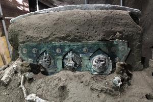 「無與倫比」 龐貝古城出土華麗四輪馬車