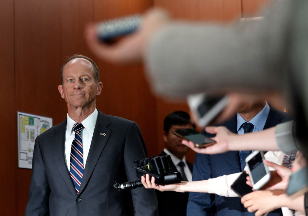 美國務院負責東亞和太平洋事務的助理國務卿史達偉(David Stilwell)發表演說,他批評中共在過去的20年裏,在內政和外交領域的倒行逆施。(AHN YOUNG-JOON/AFP via Getty Images)