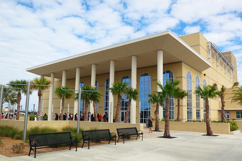 2020年3月15日下午,美國神韻藝術團在美國佛州威尼斯表演藝術中心上演,受到觀眾熱烈歡迎。(岳磊/大紀元)