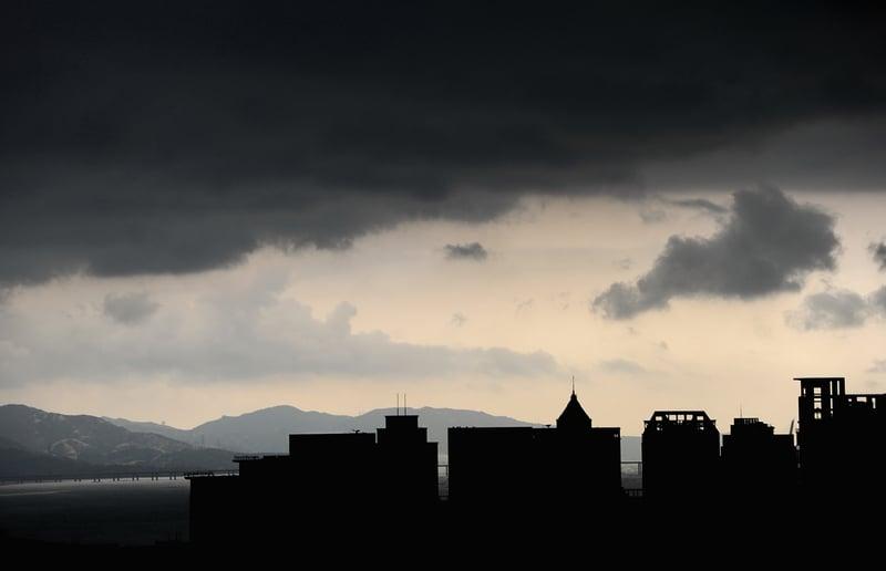 深圳八部門2020年7月15日出台了八條對樓市的調控政策。圖為深圳一景。(Getty Images)