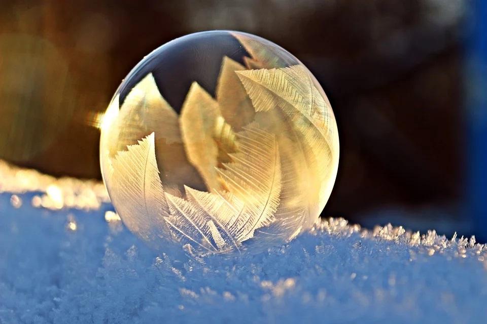 冬至是天上、人間一個重要的陰消陽長的轉換點,冬至日,陰氣至極、陽氣萌動。(pixabay)