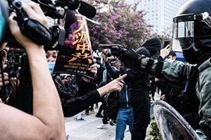 港警官吐露心聲:被迫處於衝突中心 支持調查