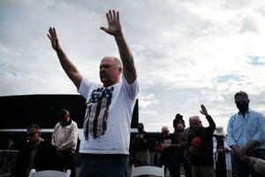 佐州複選 選民聚集州府前禱告 祈求神蹟