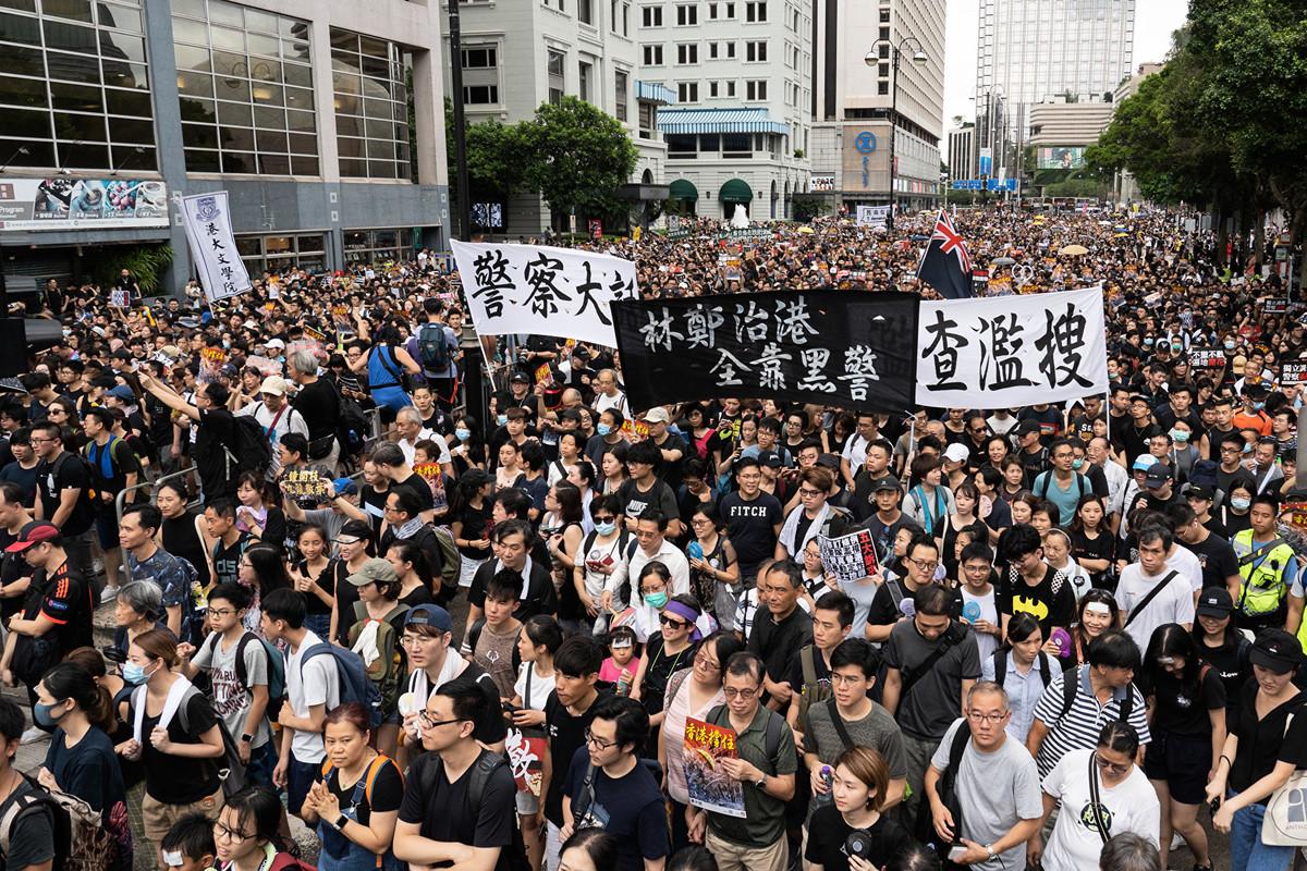 香港反送中運動越演越烈。抗議者表示,不會退縮,否則中共威權將會惡化。(李逸/大紀元)