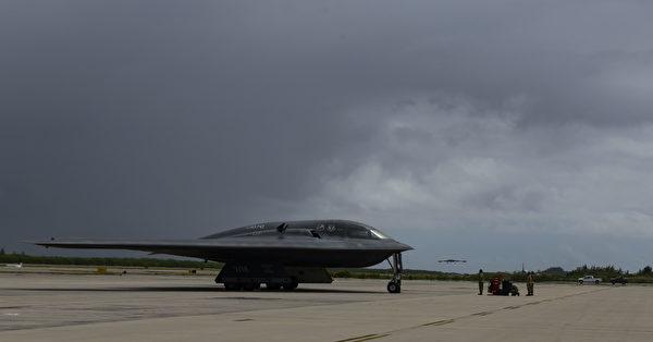 2020年8月12日,美軍部署3架B-2隱形轟炸機到印度洋的迭戈加西亞島,該島實際由英國掌控。(美國印太司令部)