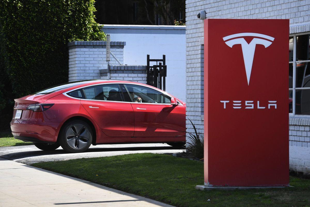 Tesla(特斯拉)有意邀請台灣供應鏈赴美開設工廠。圖為示意圖。(MARK RALSTON/AFP/Getty Images)