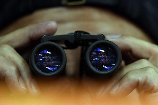 2020年12月8日,美媒Axios報道了中共特工方芳(又名Christine Fang,克里斯汀‧方)於2011年至2015年期間,在加州的政界活躍異常。(JOHANNES EISELE/AFP/Getty Images)