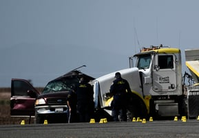 偷渡惹禍 八座SUV塞25人 加州大車禍至少13死