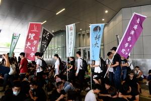 沒組織不恐懼 香港年輕人成抗爭中共主力