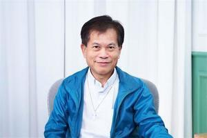 香港政要感佩法輪功 恭祝李洪志大師華誕