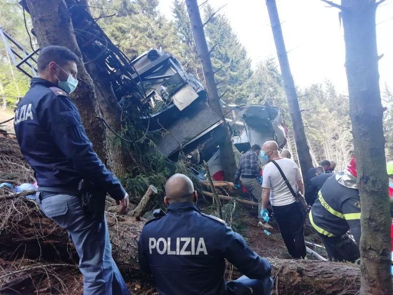 意大利纜車墜毀 14死1兒童重傷