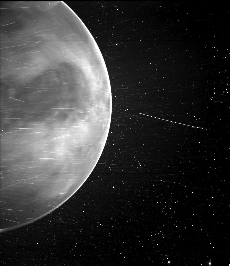 美國太空總署(NASA)2021年2月25日發佈了這張照片,展示了帕克探測器拍攝到的金星。(NASA/Johns Hopkins APL/Naval Research Laboratory/Guillermo Stenborg and Brendan Gallagher)