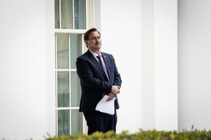 CEO白宮傳話給特朗普 建議更換CIA局長
