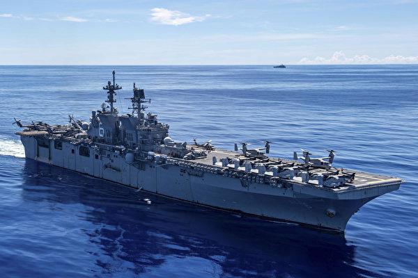 2020年10月7日,兩棲攻擊艦美利堅號(LHA 6)在菲律賓海航行,拉開「貴族之怒」(Noble Fury)演習的序幕。(美國海軍)